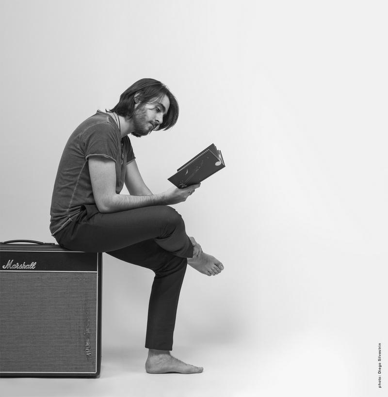 Iovis Giovanni Fruzzetti Autore cantante chitarrista rock IMAGE